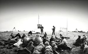 """Elnių augintojai. Kolūkio susirinkimas – II. Jugros tundra. Iš serijos """"Prie Karos jūros"""""""