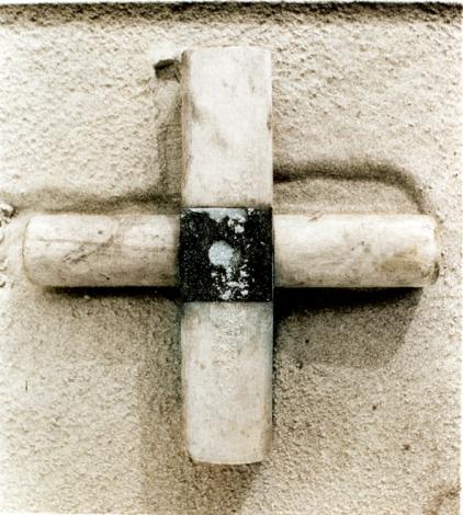 """Kryžius. Iš ciklo """"Daiktai iš jūros"""""""