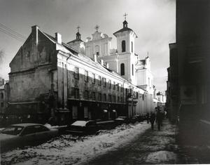 Dominikonų g. vaizdas su Šv. Dvasios (dominikonų) bažnyčia. Vilnius