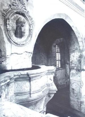 Pranciškonų bažnyčios interjero fragmentas