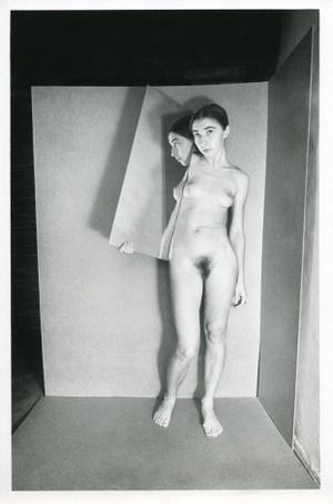 Nude, 24
